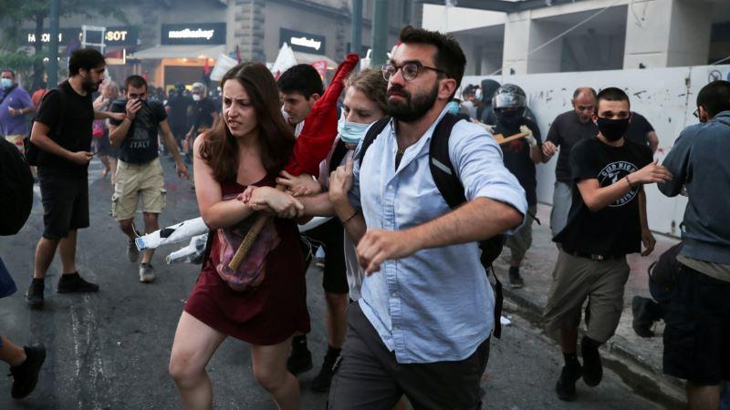 Protest protiv ograničavanja okupljanja u Atini, devetoro uhapšenih