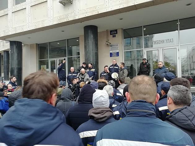 Protest radnika i radnica Pošte u Novom Sadu, suspendovani svi poštari