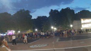 Studenti ispred Skupštine zatražili da se poništi odluka o zatvaranju domova, najavili novi protest