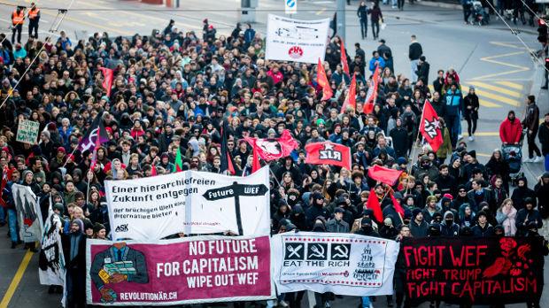 Protest u Bernu zbog dolaska Trampa na forum u Davosu