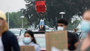 Protesti u Detroitu zbog tinejdžerke koja je pritvoru zbog domaćeg zadataka