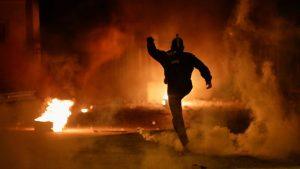 Protesti u Grčkoj: Desetine povređenih na antimigrantskim protestima