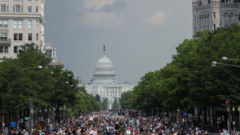 Mirni protesti protiv rasizma i policijske brutalnosti širom SAD