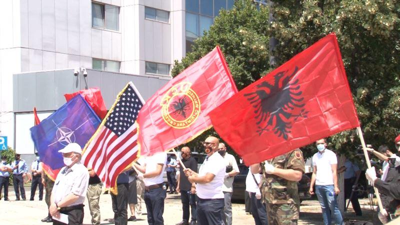 Protesti veterana OVK na Kosovu zbog optužnica protiv Tačija i Veseljija