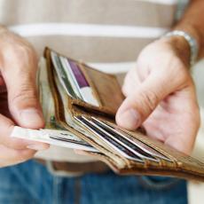 Ako imate STO EVRA u novčaniku štedite BEZ TRUDA: Evo zašto je dobro da UVEK čuvate krupne novčanice