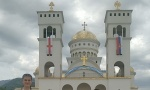 Prva litija posle korone u Baru: Nekoliko hiljada vernika na ulicama (FOTO)