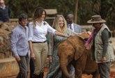Kako je Melaniju Tramp gurnuo slon VIDEO