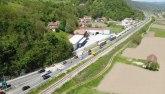 Prve fotografije teške nesreće kod Požege: Vozač crnogorskih tablica preticao kolonu, dvoje poginulo FOTO