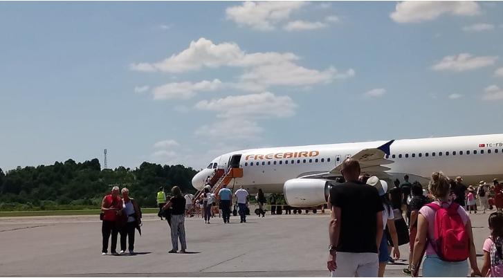 Prvi čarter let poletio iz Banjaluke za Antaliju
