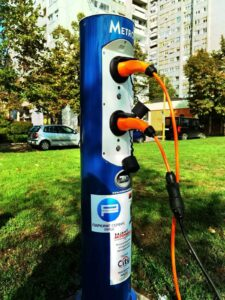 Prvi javni punjač za električne automobile u Nišu