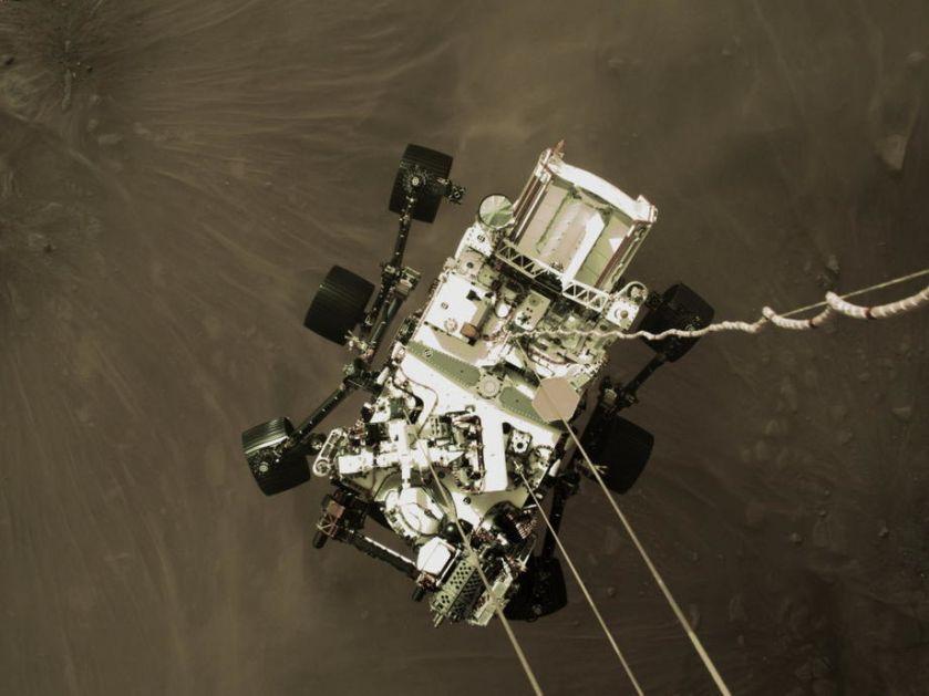 NASA: Helikopter uspešno obavio prvi let na Mars
