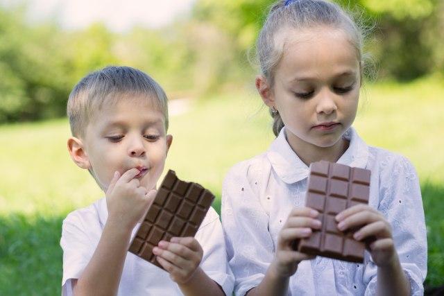Prvi obrok deci ne treba da budu slatkiši i peciva iz pekare