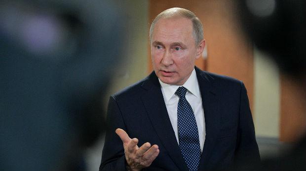 Prvi razgovor Putina i Zelenskog