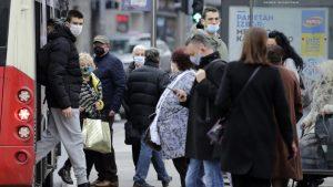 Prvi talas pandemije doveo do otpuštanja 200.000 zaposlenih u Srbiji