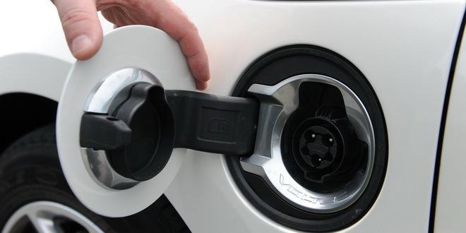 Prvi ugovori za kupovinu automobila na struju ove nedelje