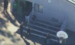 Pucnjava kod srednje škole u Kaliforniji, napadač u bekstvu (VIDEO)