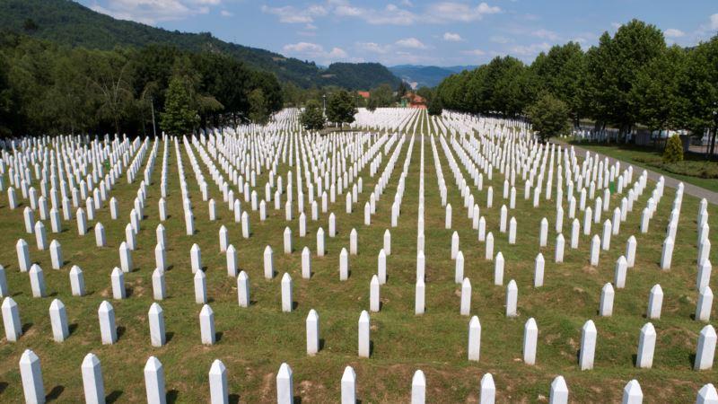 """Puhovski: """"Kako je moguće da se još urla nož, žica, Srebrenica?"""""""
