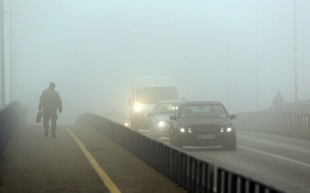 Putevi Srbije upozoravaju vozače na poledicu, maglu, odrone
