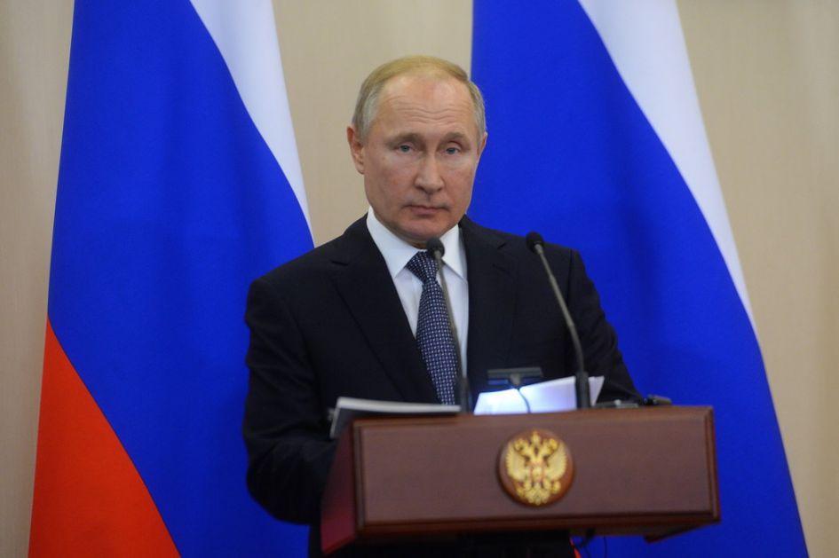 Putin: Društvo želi promene, natalitet nedovoljan