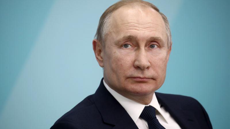 Putin: Rusija mora ostati jaka predsjednička republika
