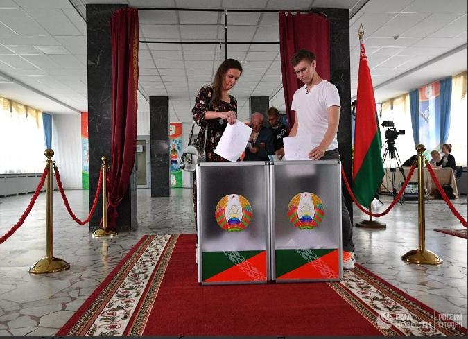 Putin: Rusija priznaje legitimitet predsedničkih izbora u Belorusiji, to je to
