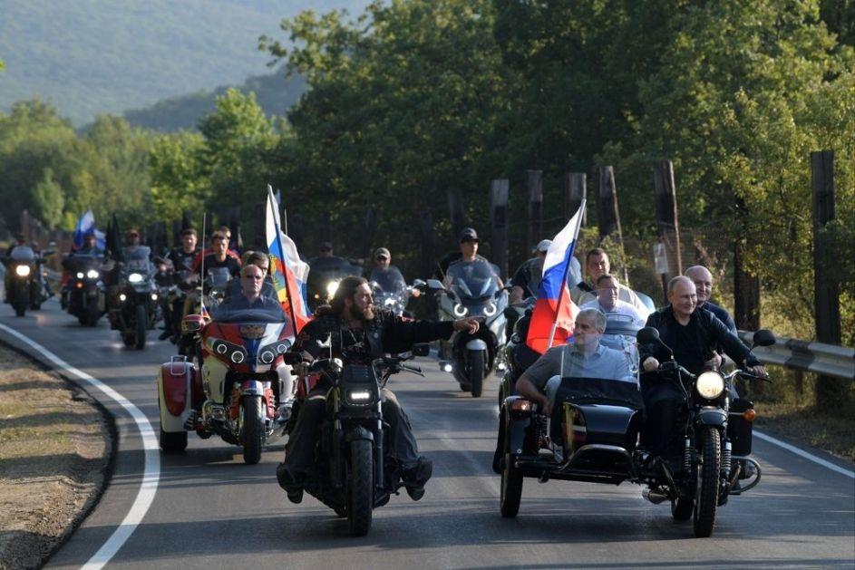 Putin: Zahvalnost celom bajkerskom pokretu za sve što rade za patriotsko obrazovanje mladih, to je izuzetno važno