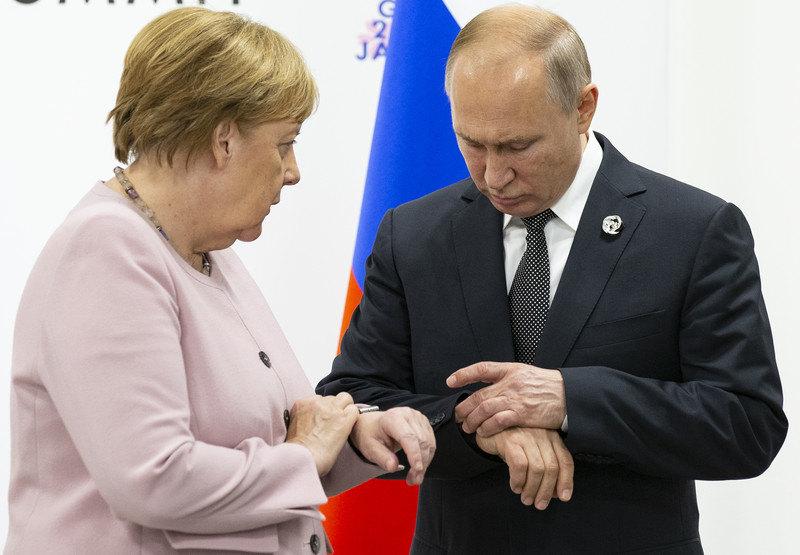 Putin i Merkel za specijalni status Donbasa