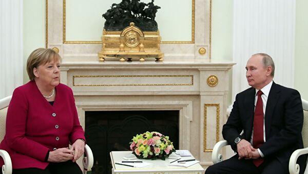 Putin i Merkelova razgovarali o situaciji u Libiji