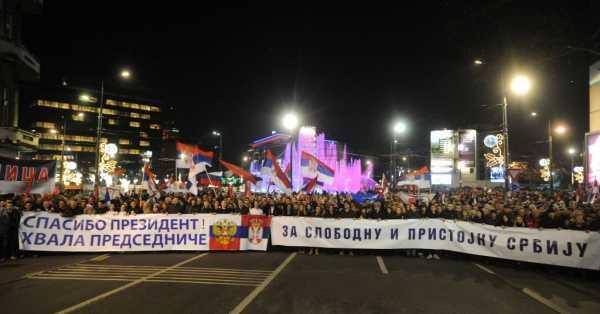 Putina ispred Hrama čeka više od 100 hiljada građana (FOTO, VIDEO)