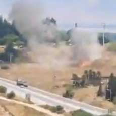RAKETIRAN IZRAEL: Sirene za uzbunu odjeknule na severu, hiljade ljudi u skloništima (VIDEO)