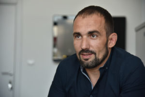 RANJENOG RAZBOJNIKA ODALA POSETA LEKARU Novi detalji hapšenja pljačkaša banke na Novom Beogradu