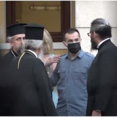 RAŠČINJENI JEROMONAH NARKOMAN UNAKAZIO SEDMORICU MITROPOLITA: Detalji stravičnog napada u pravoslavnom manastiru (VIDEO)