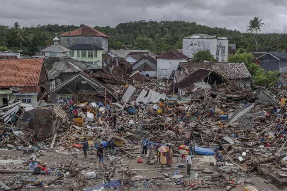 RASTE BROJ ŽRTAVA: Cunami u Indoneziji usmrtio 373 osobe!