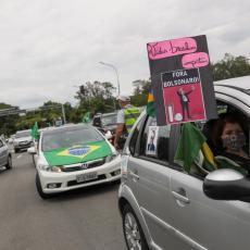 RASTU TENZIJE U BRAZILU: Narod je nezadovoljan reakcijom države na koronu, zahtevaju samo jedno (FOTO/VIDEO)