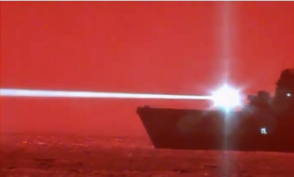 RAT LASERIMA MOŽE DA POČNE: Amerikanci uspešno testirali novo oružje na Pacifiku (VIDEO)