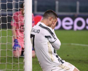 RAZLUPAO JE SVLAČIONICU I OTIŠAO BEZ POZDRAVA: Ronaldo nastavlja sa ispadima, iz kluba ga opravdavaju!