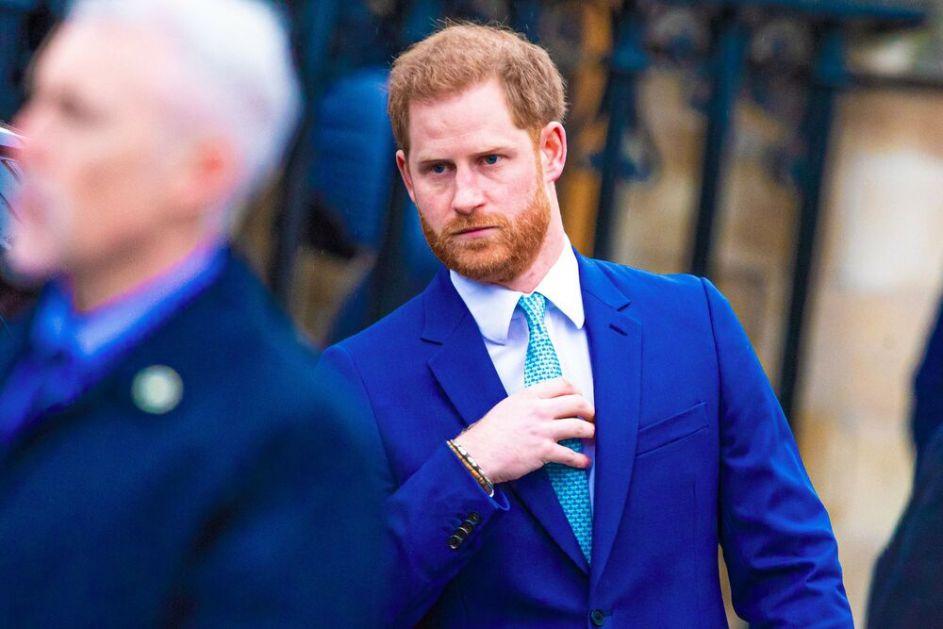 RAZUMEĆE MEGAN Princ Hari još nije rezervisao povratnu kartu: Ostaje u Britaniji za kraljičin 95. rođendan