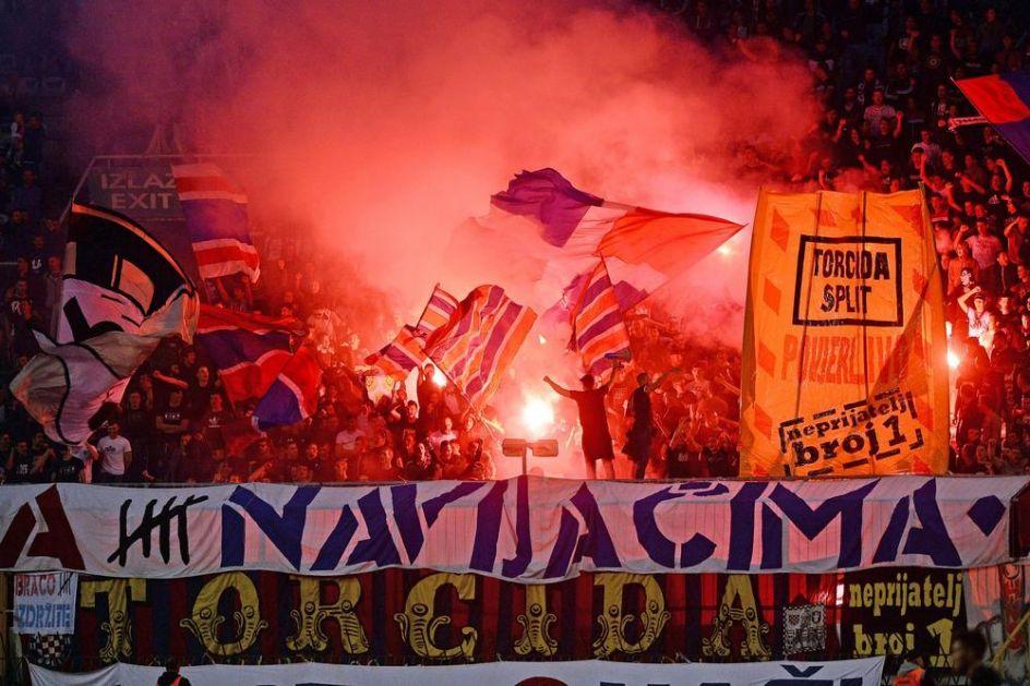 REGION ZGRANUT: Korona kosi sve pred sobom, a Torcida slavi rođendan! Na ulicama Splita preko 3.000 ljudi (FOTO)