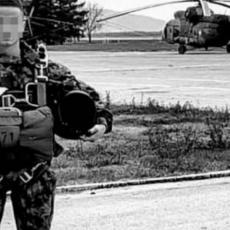 REKAO MI JE DA JE DOBRO I DA HOĆE DA ODMORI: Majka poginulog padobranca slomljena od bola