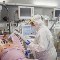 ROJTERS PREKINUO LAŽI DA JE KC VOJVODINE PRED PUCANJEM Svetska agencija prenela PRAVU SLIKU o kliničkom centru (FOTO)