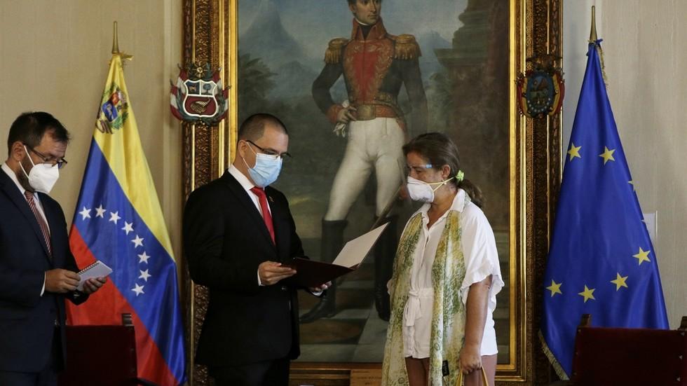 RT: 72 sata za odlazak: Izaslaniku EU u Venecueli saopšteno da spakuje kofere nakon što je Brisel uveo nove sankcije