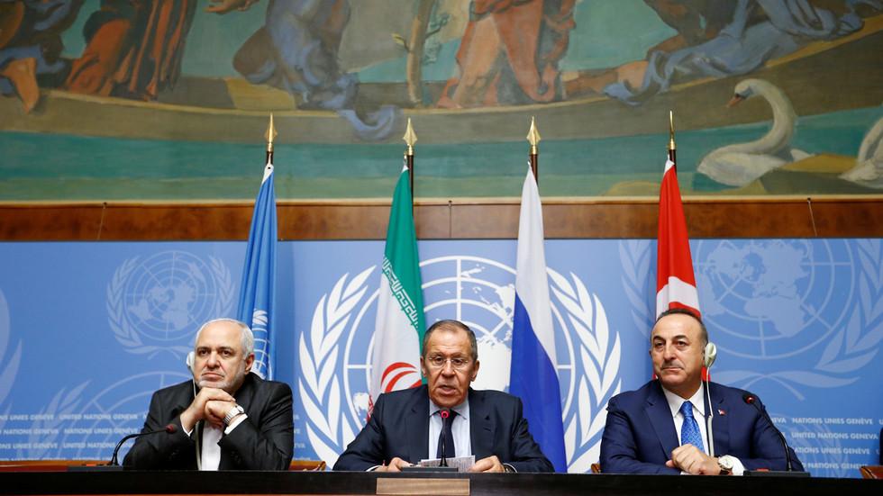"""RT: """"Arogantno i ilegalno"""": Lavrov osudio """"zaštitu nafte"""" od strane SAD u Siriji"""