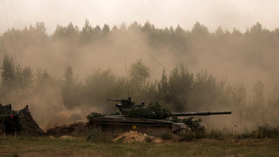 RT: Belorusija pokreće vojne vežbe na zapadnim granicama usred masovnih protesta