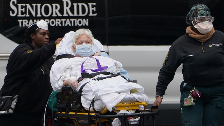 RT: Broj smrtnih slučajeva u SAD-u prešao 1000, dok zemlja čeka paket pomoći od 2,2 biliona dolara