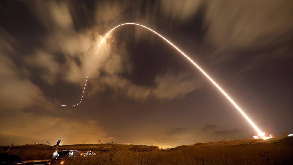 RT: Izrael angažovao PVO za presretanje protivavionskih raketa Sirije - Tel Aviv