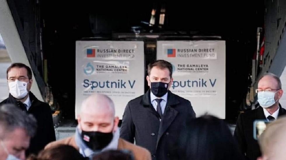 """RT: """"Ja nisam ubica"""": Slovački premijer neće odustati od """"kvalitetne"""" vakcine """"Sputnjik V"""" samo zato što je proizvedena u Rusiji"""