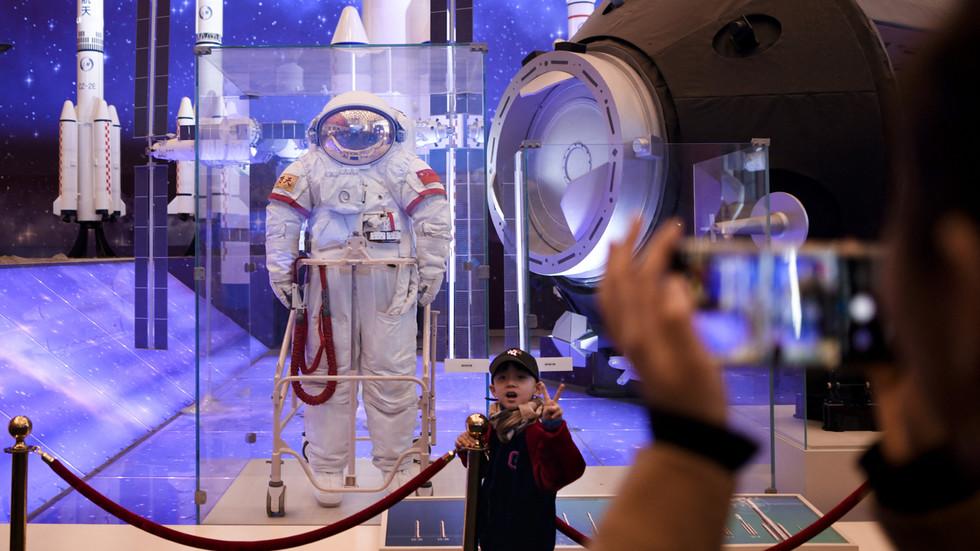RT: Kina postavila cilj da do 2023. godine pošalje 12 kosmonauta u kosmos i postavi kosmičku stanicu do 2022. godine