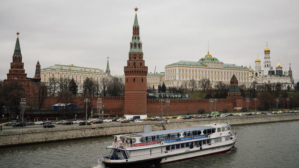 """RT: """"Moramo se odnositi s Rusijom onakvom kakva jeste, a ne onakvom kako bismo želeli da bude"""": Američke diplomate i akademici pozivaju na saradnju s Moskvom"""