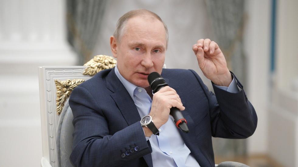 """RT: """"Oni su bube i smrvićemo ih!"""": Putin uputio oštro upozorenje  aktivistima i kriminalcima koji iskorištavaju decu na internetu"""