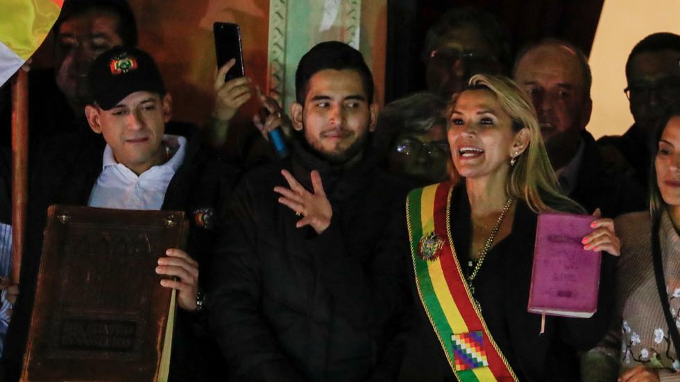 """RT: Opozicioni senator se proglasila """"privremenim predsednikom"""" Bolivije bez kvoruma ili glasanja"""